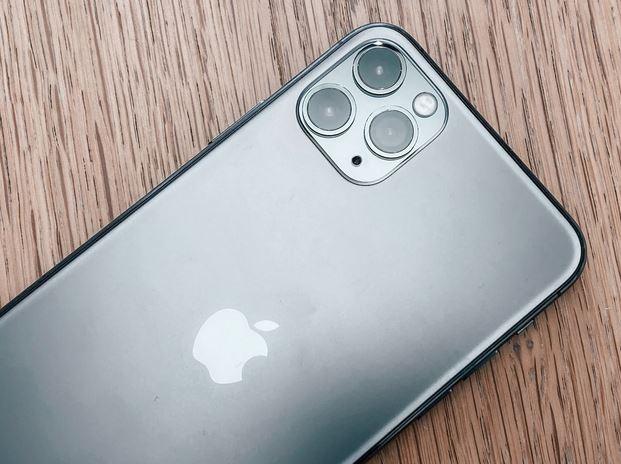Pro řadu lidí může být iPhone 11 drahý a velký. Zdroj: Unsplash.com.